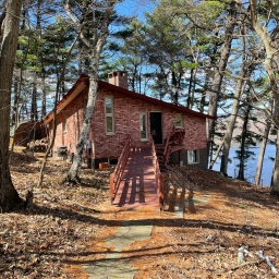 Lake House Open for Another Spring